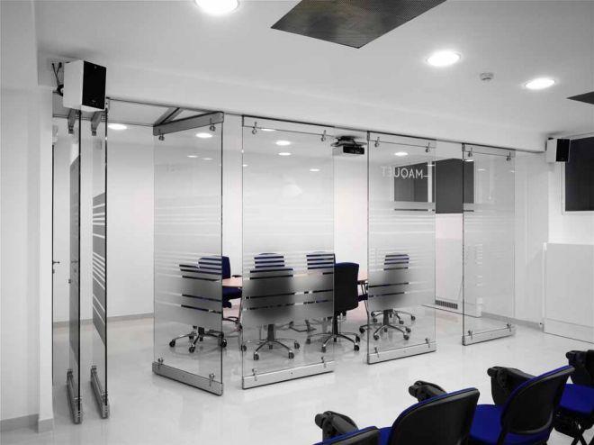 tabique-de-vidrio-en-oficinas-06